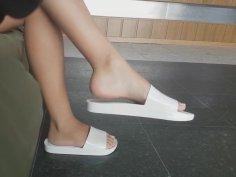Candid Feet - Melissa Beach Slide (White)