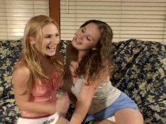 Smiling kinky pussy eaters Gen Padova & Holly Day suck a stiff hot tool